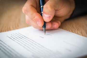 Доказательства с помощью почерковедческой экспертизы подписи